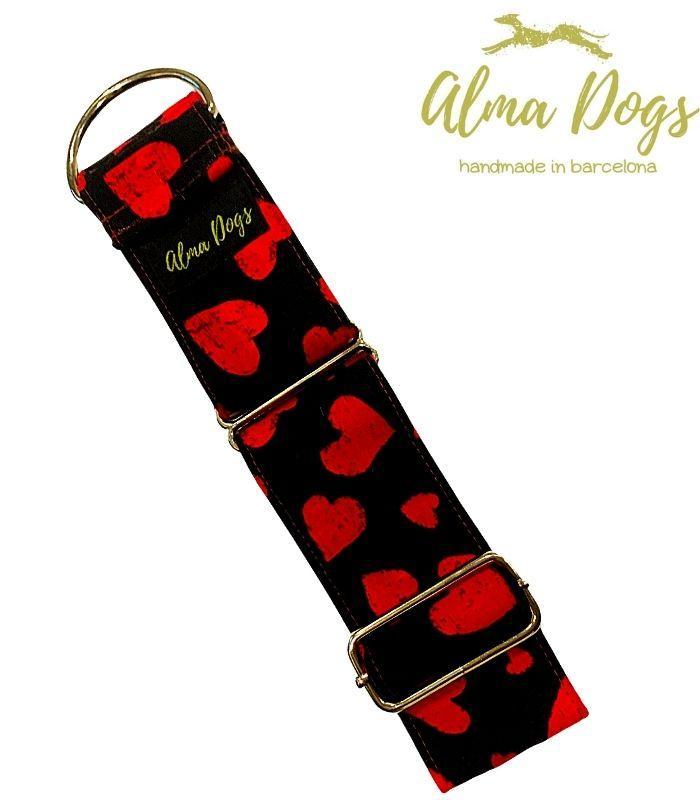 collar matingale para galgos y perros corazones rojos